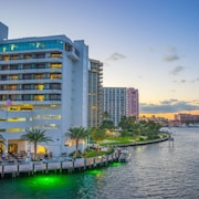 Waterstone Resort & Marina Boca, Curio Collection by Hilton
