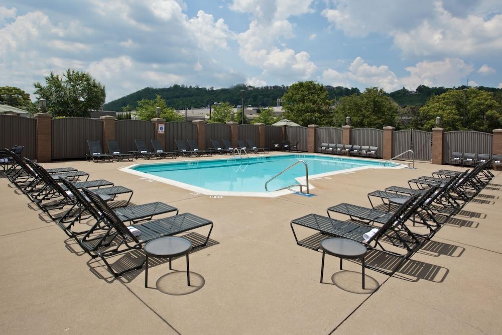 Holiday Inn Cincinnati Riverfront Deals Reviews