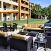Courtyard by Marriott Toledo Airport Holland