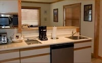 Classic Cabin , Mountain View, City View, Kitchenette