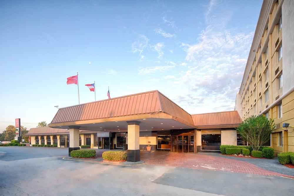 red lion hotel atlanta airport 2019 room prices 82. Black Bedroom Furniture Sets. Home Design Ideas