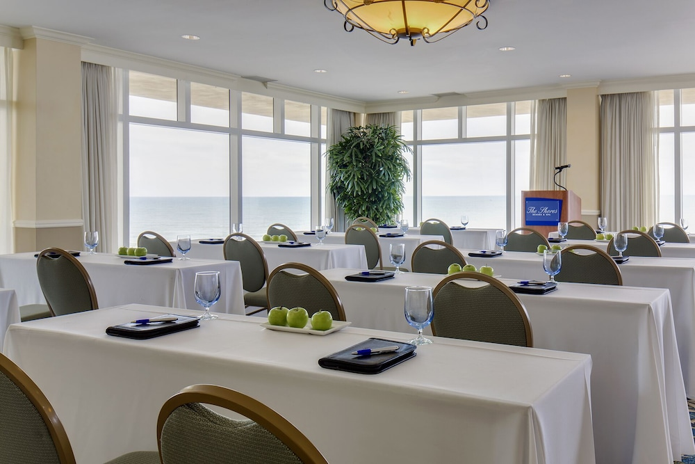 The Shores Resort Amp Spa 2018 Room Prices 111 Deals