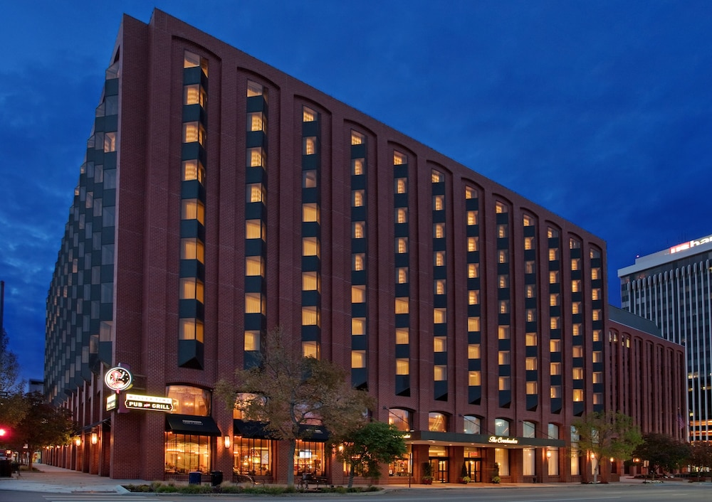 Front of Property - Evening/Night, The Lincoln Marriott Cornhusker Hotel