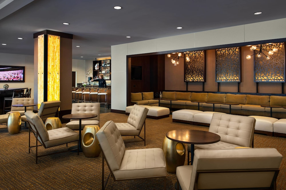 Lobby Sitting Area, The Lincoln Marriott Cornhusker Hotel