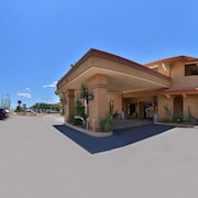 Red Lion Inn & Suites Tucson North - Foothills