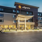 La Quinta Inn & Suites by Wyndham Salem NH