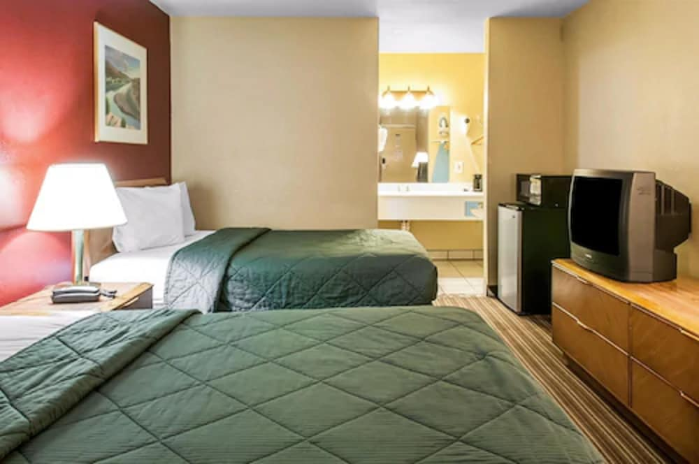 Room, Suburban Extended Stay Hotel East