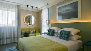 In-room safe, linens