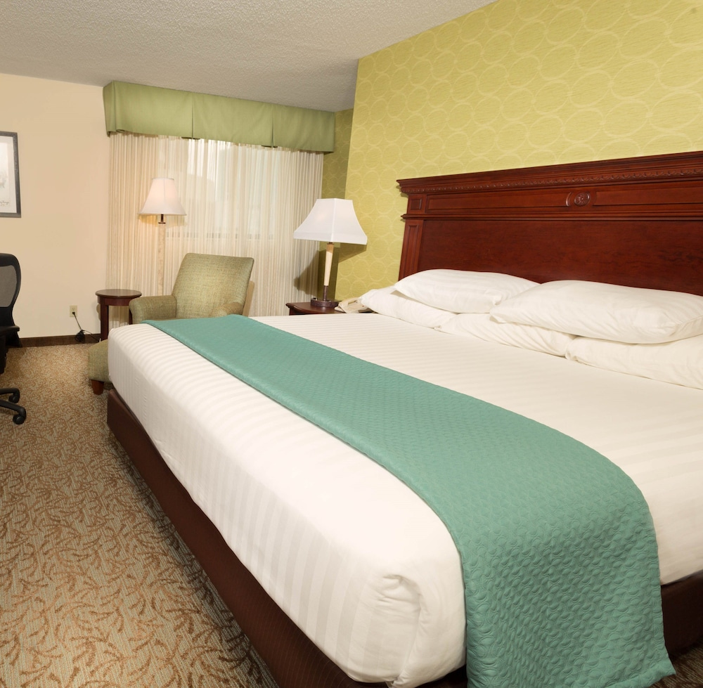 Room, Drury Inn & Suites St. Louis Convention Center