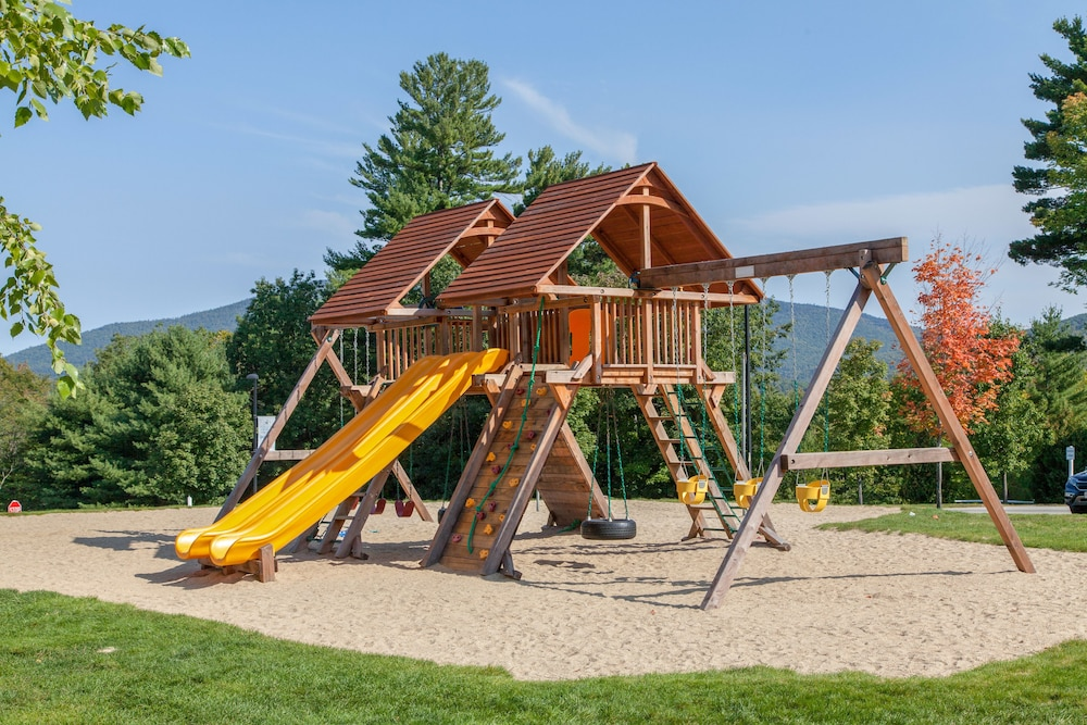 Children's Play Area - Outdoor, Red Jacket Mountain View and Indoor Water Park