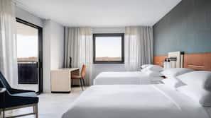 1 bedroom, premium bedding, down comforters, Tempur-Pedic beds