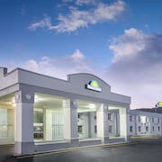 Days Inn by Wyndham Roanoke Near I-81