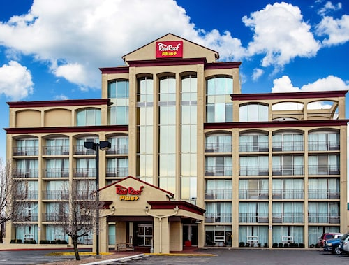 Red Roof Inn PLUS+ Wichita East