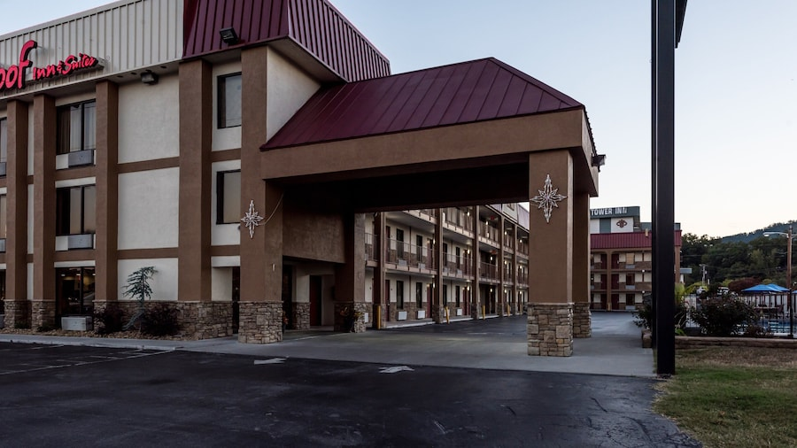 Red Roof Inn & Suites Pigeon Forge - Parkway