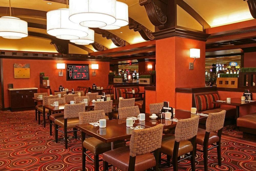 Ti Treasure Island Hotel And Casino In Las Vegas Hotel Rates Reviews On Orbitz