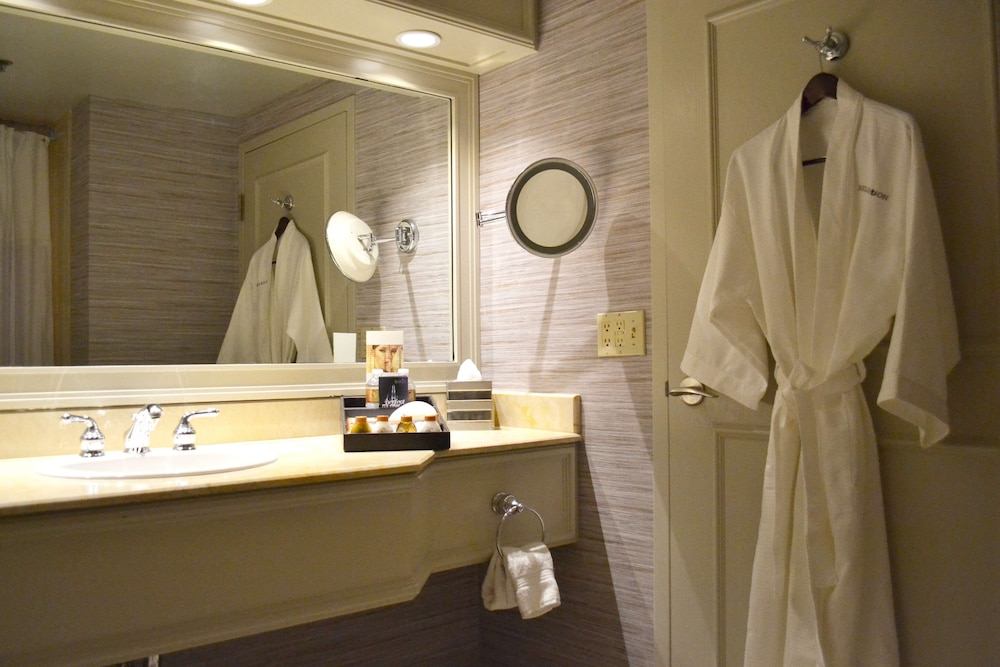 Bathroom Amenities, TI - Treasure Island Hotel and Casino