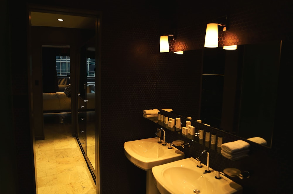 Bathroom, Night hotel by SB at Times Square