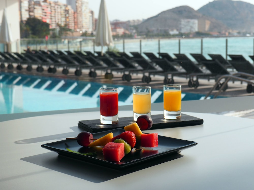 Poolside Bar, Melia Alicante