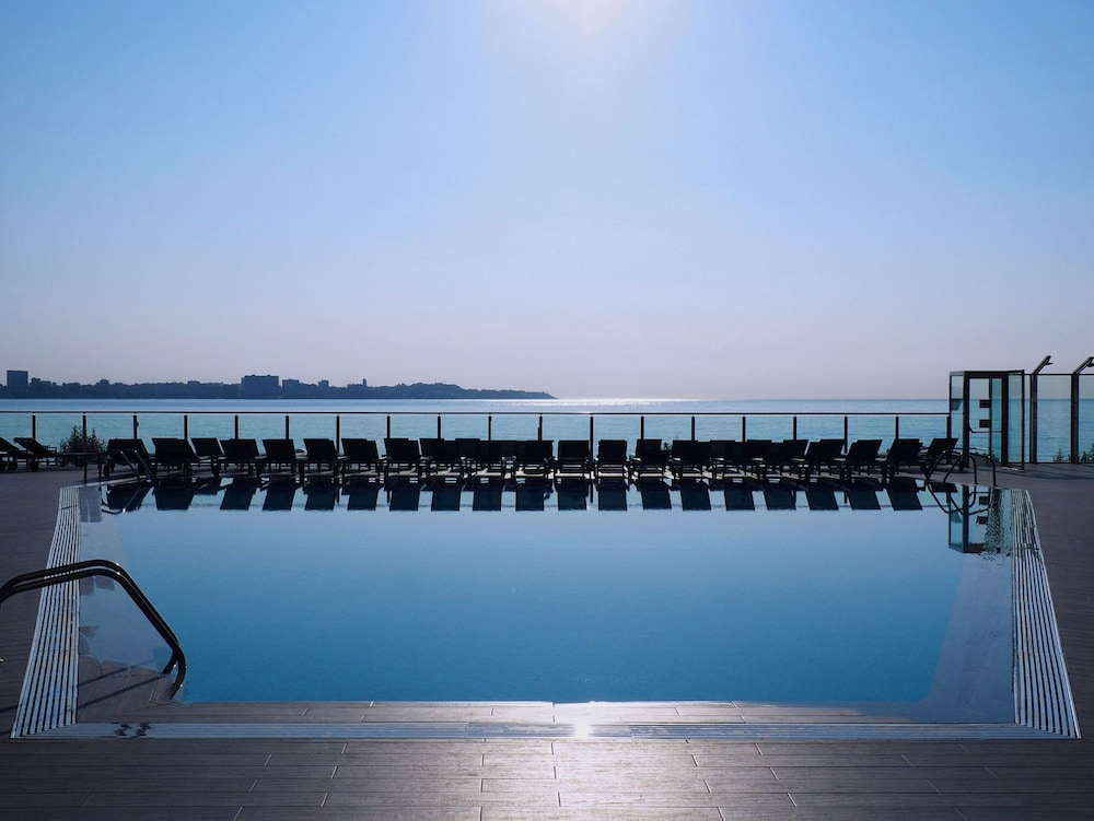 Outdoor Pool, Melia Alicante