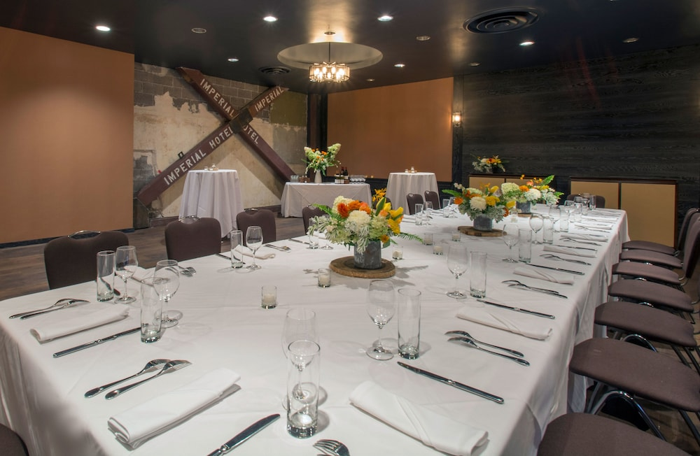 Banquet Hall, Hotel Lucia