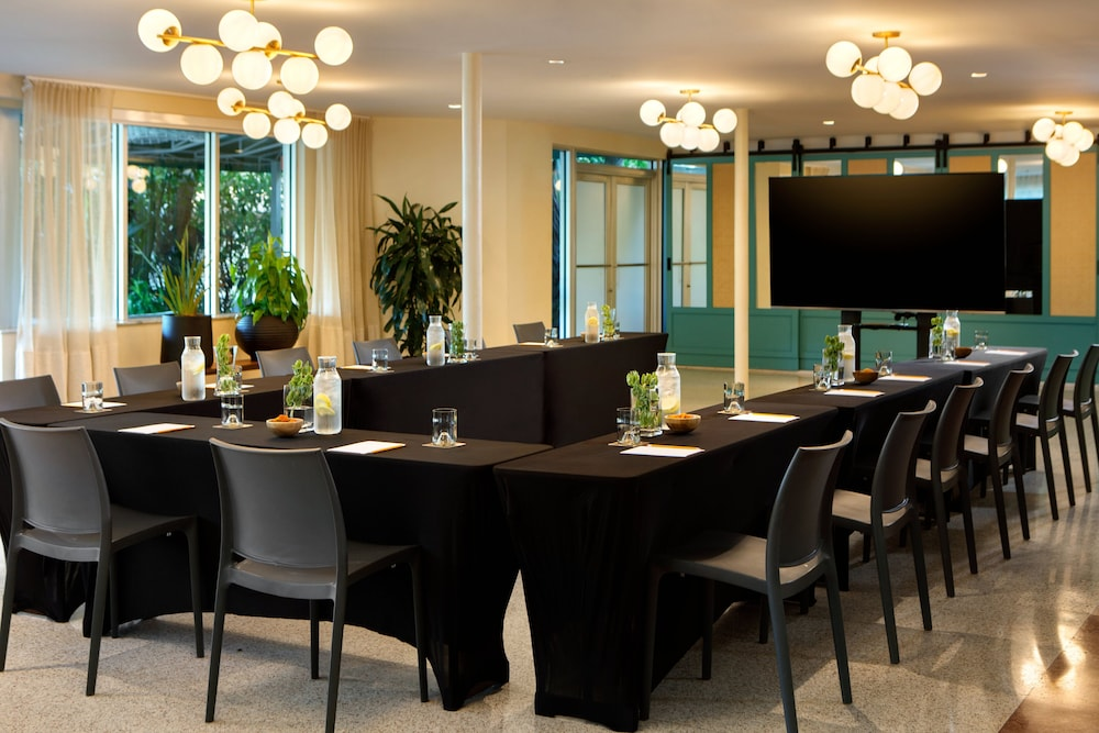 Meeting Facility, Kimpton Surfcomber Hotel