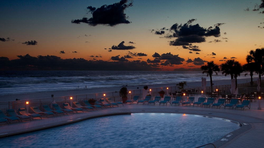 Pool, Holiday Inn Express & Suites Panama City Beach - Beachfront