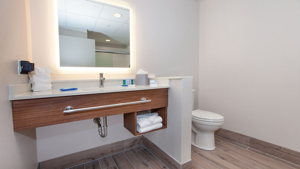 Room Amenity, Holiday Inn Express & Suites Panama City Beach - Beachfront