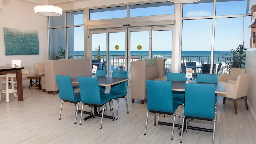 Breakfast Meal, Holiday Inn Express & Suites Panama City Beach - Beachfront