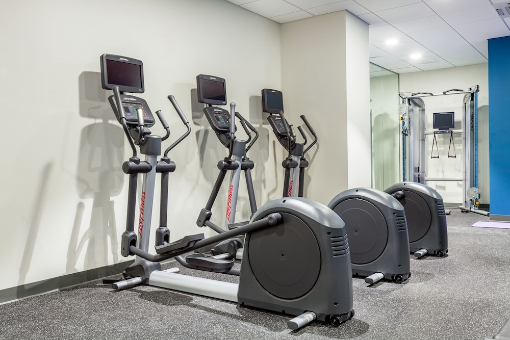 Fitness Facility, Holiday Inn Express & Suites Panama City Beach - Beachfront