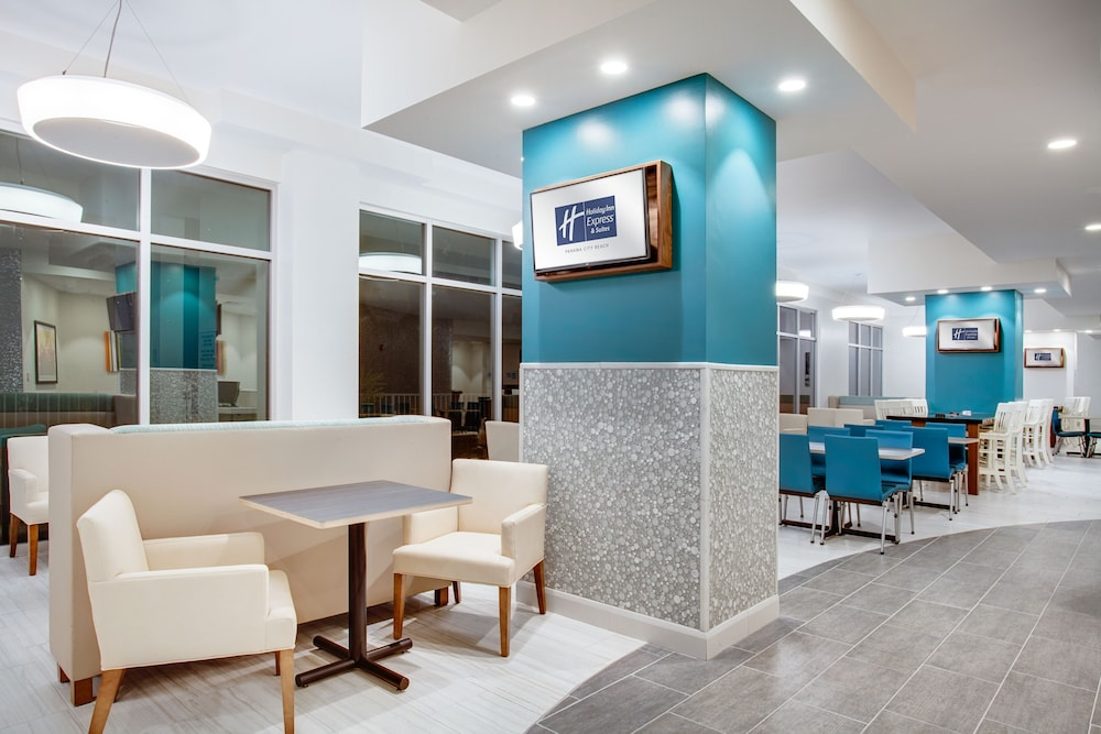 Lobby, Holiday Inn Express & Suites Panama City Beach - Beachfront