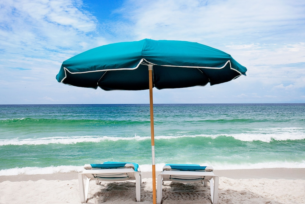 Rooftop terrace, Holiday Inn Express & Suites Panama City Beach - Beachfront