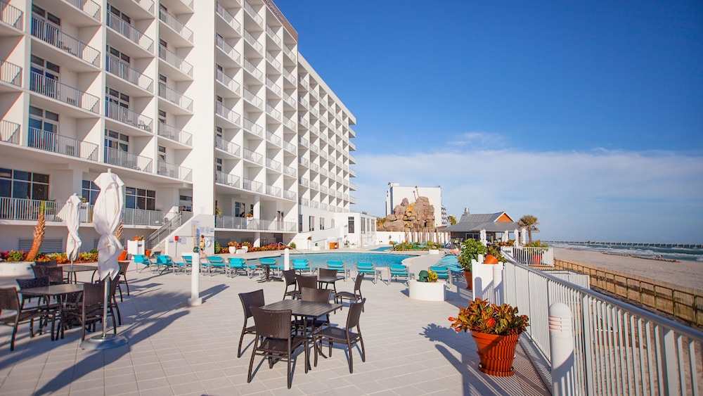 Terrace/Patio, Holiday Inn Express & Suites Panama City Beach - Beachfront