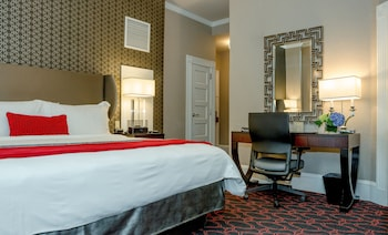 Deluxe Room, 1 King Bed (Includes Wine Reception) - Guestroom