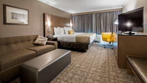 高級寢具、特厚豪華床墊、書桌、手提電腦工作空間