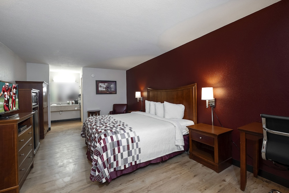 Featured Image, Red Roof Inn & Suites Dothan