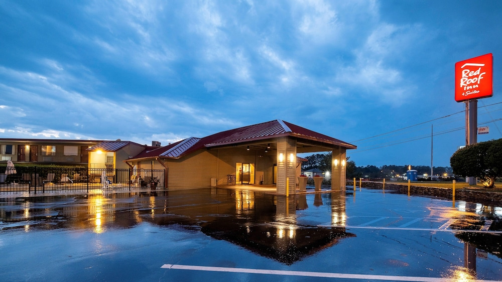 Exterior, Red Roof Inn & Suites Dothan