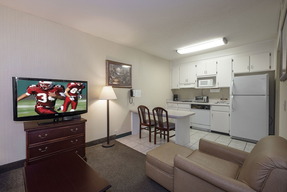 Private Kitchen, Red Roof Inn & Suites Dothan