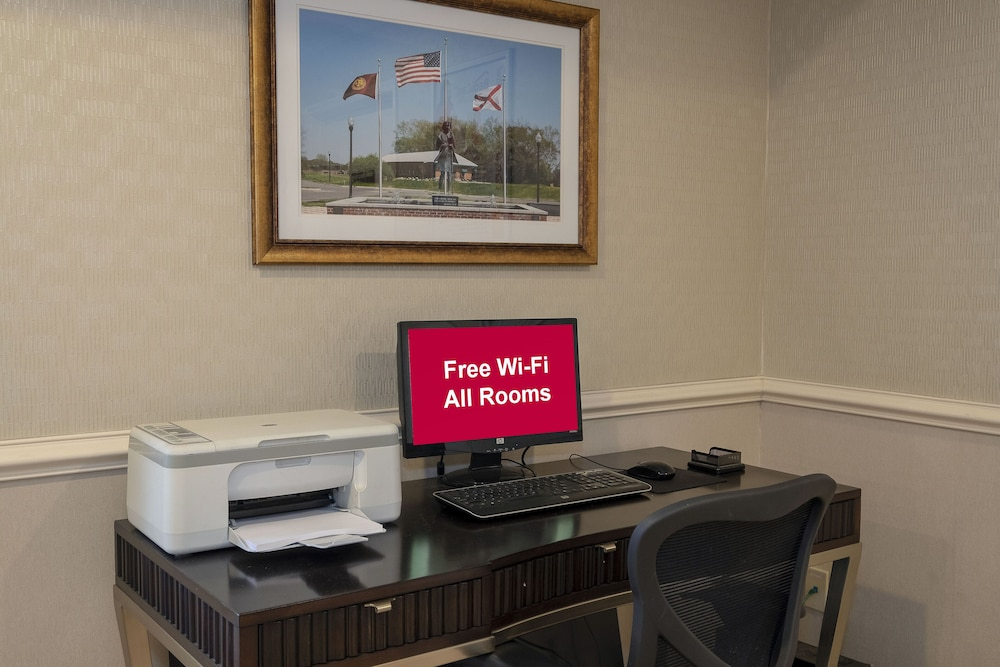 Business Center, Red Roof Inn & Suites Dothan