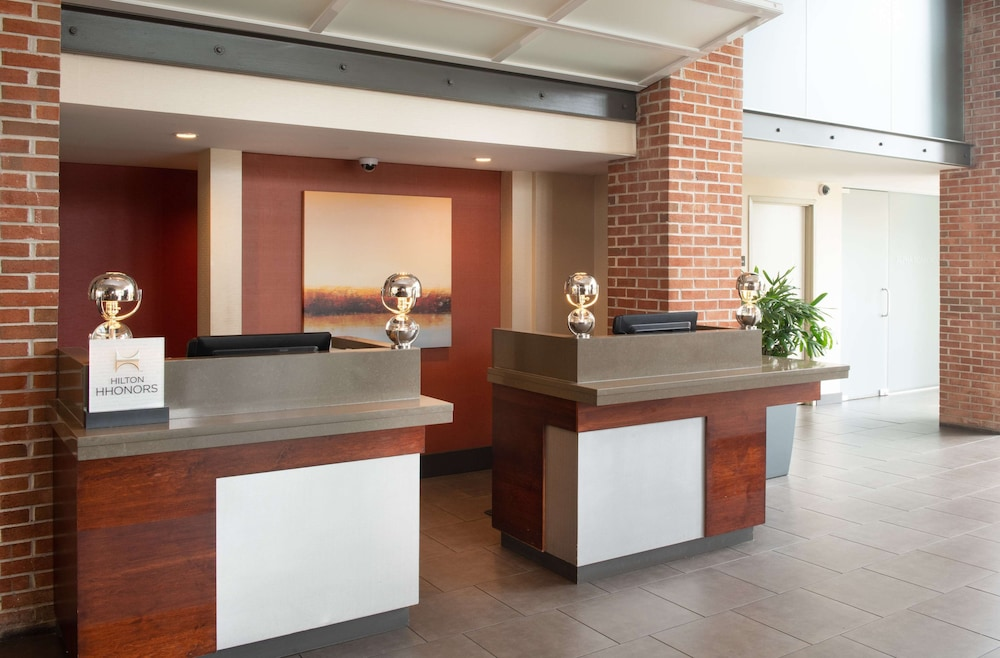 Reception, DoubleTree by Hilton Hotel and Suites Charleston Airport