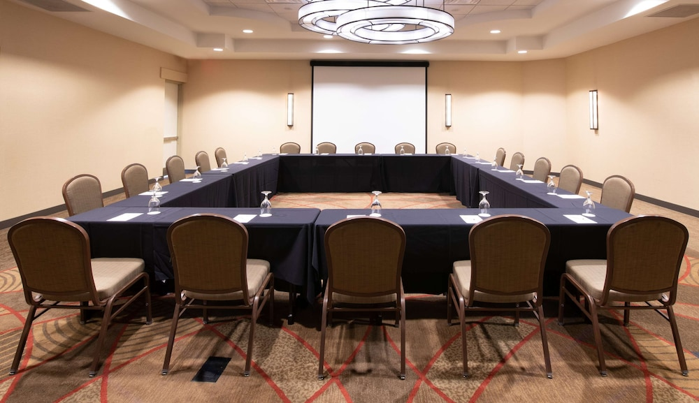 Meeting Facility, DoubleTree by Hilton Hotel and Suites Charleston Airport