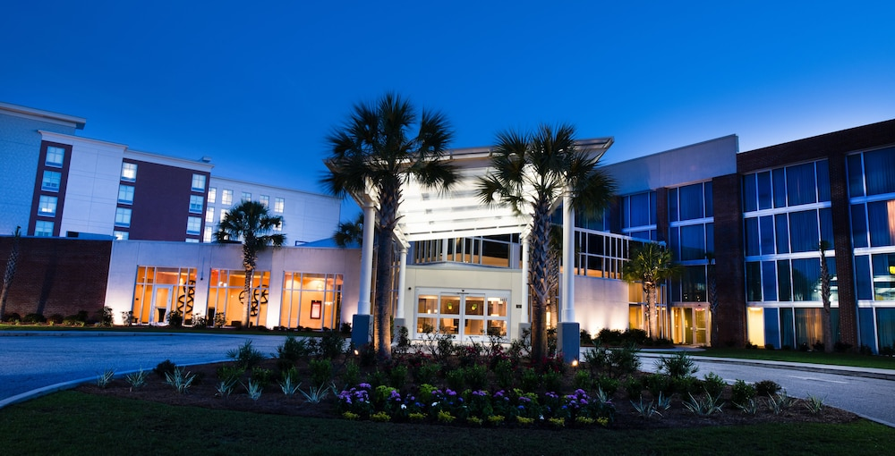 Front of Property - Evening/Night, DoubleTree by Hilton Hotel and Suites Charleston Airport