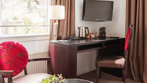 Literie de qualité supérieure, coffres-forts dans les chambres, bureau