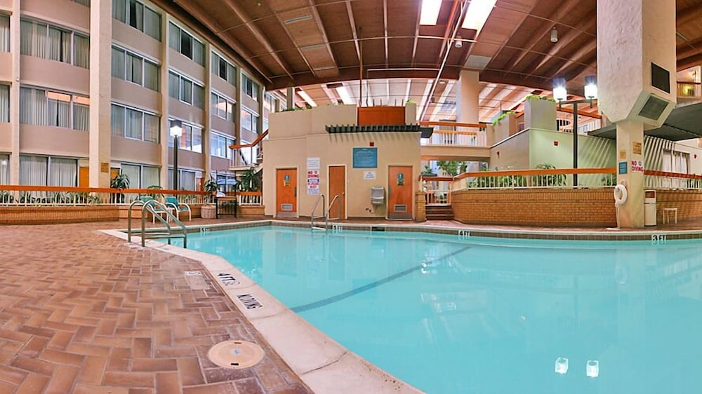 Indoor Pool, DFW Airport Hotel and Conference Center