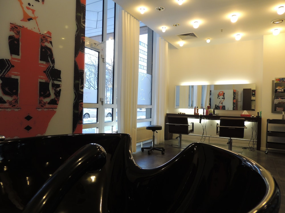 Hair Salon, Hilton Munich City