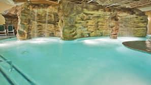 Indoor pool, 3 outdoor pools, pool umbrellas, sun loungers