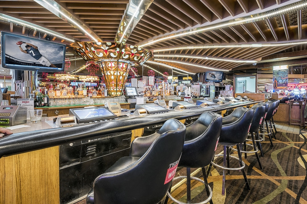 Sports Bar, Winnemucca Inn & Casino
