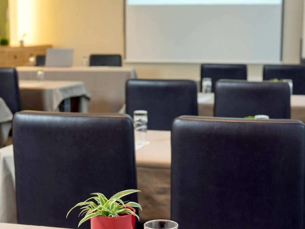 Ibis luxembourg a roport luxembourg city lux expedia for Cdc luxembourg
