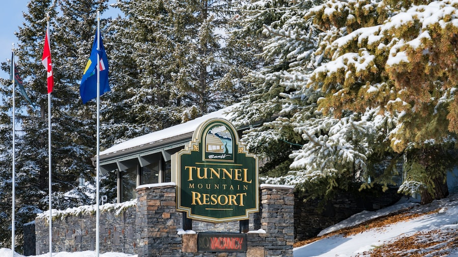 Tunnel Mountain Resort