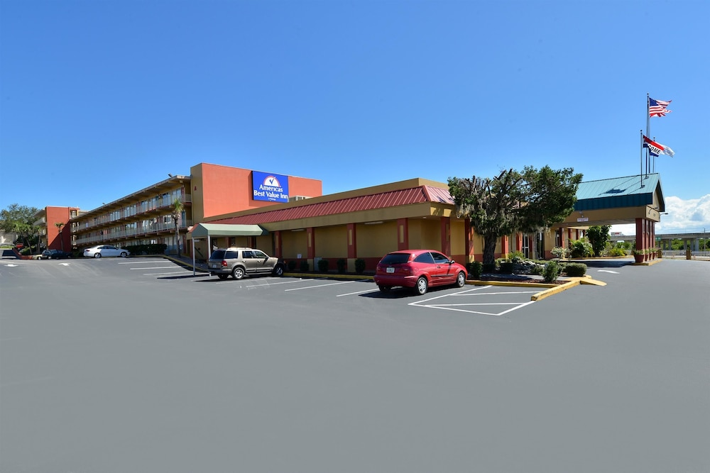 Front of Property, Americas Best Value Inn Cocoa Port Canaveral
