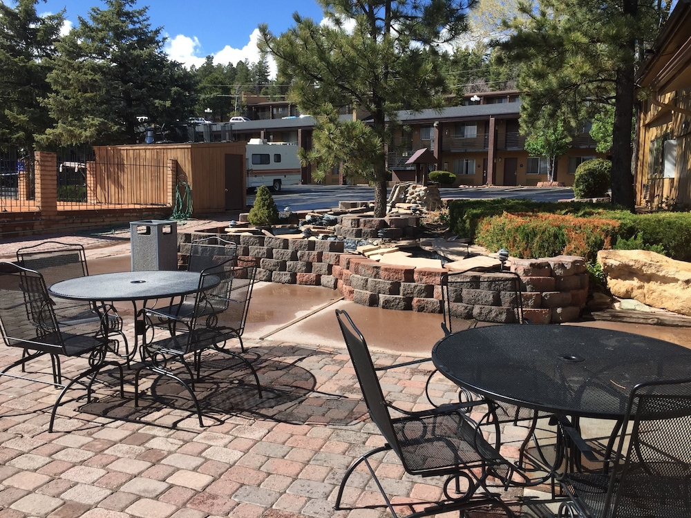 Property Grounds, Hotel Aspen InnSuites Flagstaff/Grand Canyon